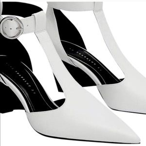 🤍🤍ZARA White T-Strap Shoes🤍🤍